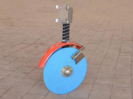 旋播机配套加强型内外刮土器开沟器