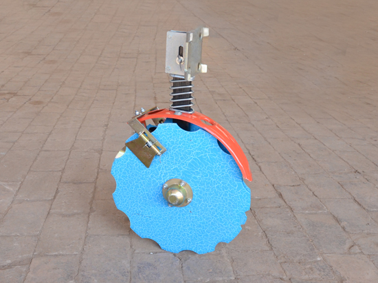 圆盘开沟器002